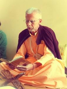 Gurudeva reading